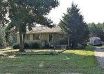 Foreclosed Home en OAKLEIGH AVE, Appomattox, VA - 24522