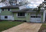 Foreclosed Home en COOPER DR, Toms River, NJ - 08753
