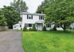 Foreclosed Home en MIDDLE DR, East Hartford, CT - 06118