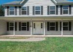 Foreclosed Home en HONEYSUCKLE DR, East Stroudsburg, PA - 18302