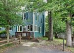 Foreclosed Home en MAPLE AVE, Freehold, NJ - 07728
