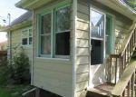 Foreclosed Home en EMMAUS AVE, Zion, IL - 60099
