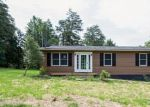 Foreclosed Home en ROYAL WALNUT RD, Front Royal, VA - 22630