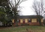 Foreclosed Home en CAVE QUARTER DR, Charles Town, WV - 25414