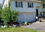 Foreclosed Home en STRANG RD, Derby, CT - 06418
