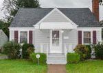 Foreclosed Home en ESTELLE RD, East Haven, CT - 06512
