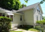 Foreclosed Home en PROSPECT ST, Moosup, CT - 06354