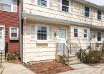 Foreclosed Home en E GATE LN, Hamden, CT - 06514
