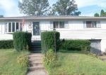 Foreclosed Home en RAILROAD ST, Moosic, PA - 18507