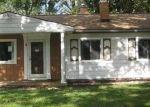 Foreclosed Home en CONOVER PL, Romulus, MI - 48174