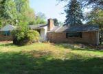 Foreclosed Home en MIDDLETOWN LINCROFT RD, Middletown, NJ - 07748
