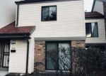 Foreclosed Home en W BRADLEY RD, Milwaukee, WI - 53224