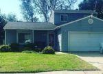 Foreclosed Home en BURNING TREE LN, Romulus, MI - 48174