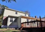 Foreclosed Home en PORTER AVE, Middlebury, CT - 06762