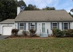 Foreclosed Home en QUAIL HOLLOW CIR, Windsor, CT - 06095