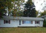 Foreclosed Home en LAKESHORE RD, Deckerville, MI - 48427