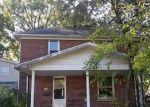 Foreclosed Home en W WASHINGTON ST, Benton, IL - 62812
