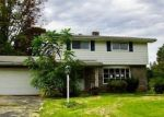 Foreclosed Home en LORD BYRON DR, Bethlehem, PA - 18017
