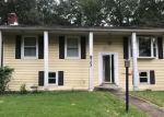 Foreclosed Home en DOWNEY RD, Severn, MD - 21144