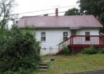Foreclosed Home en YACHT CLUB DR, Lake Hopatcong, NJ - 07849
