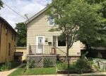 Foreclosed Home en E CLARENCE ST, Milwaukee, WI - 53207