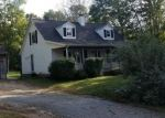 Foreclosed Home en SNAKE MEADOW HILL RD, Moosup, CT - 06354