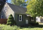 Foreclosed Home en WHITNEY RD, Manchester, CT - 06040