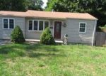 Foreclosed Home en SPUR DR N, Bay Shore, NY - 11706