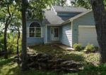 Foreclosed Home en BUCKBOARD LN, Fenton, MO - 63026