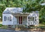 Foreclosed Home en OAKWOOD DR, Glastonbury, CT - 06033