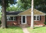 Foreclosed Home en ANDOR RD, Manchester, CT - 06040