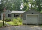 Foreclosed Home en MORAVIA RD, Avon, CT - 06001