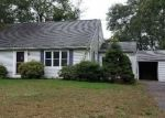 Foreclosed Home en ABBE RD, Enfield, CT - 06082