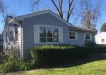 Foreclosed Home en N EDGEWORTH DR, Milwaukee, WI - 53223