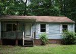 Foreclosed Home en FULMAR CIR, Petersburg, VA - 23803
