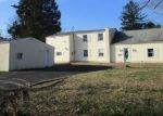 Foreclosed Home en PARK AVE, Feasterville Trevose, PA - 19053