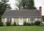 Foreclosed Home en CAMP DUTTON RD, Litchfield, CT - 06759