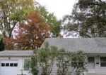 Foreclosed Home en JACQUELINE DR, Berea, OH - 44017
