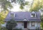 Foreclosed Home en GRANDVIEW RD, Grandview, MO - 64030