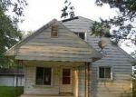 Foreclosed Home en CHERRY ST, Temperance, MI - 48182