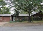 Foreclosed Home en W MOORE ST, Heber Springs, AR - 72543