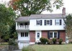 Foreclosed Home en CEDAR DR, Gwynn Oak, MD - 21207