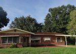 Foreclosed Home en E 8TH ST, Frostproof, FL - 33843