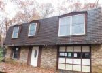 Foreclosed Home en ROBINWOOD TER, Scotrun, PA - 18355