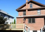 Foreclosed Home en W TOWN ST, Norwich, CT - 06360