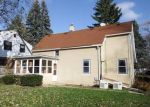 Foreclosed Home en S KANSAS AVE, Milwaukee, WI - 53235