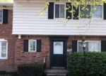 Foreclosed Home en VERNIER RD, Harper Woods, MI - 48225
