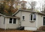 Foreclosed Home en LONE OAK DR, Centerport, NY - 11721