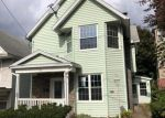 Foreclosed Home en MAPLE AVE, Carbondale, PA - 18407