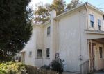 Foreclosed Home en E 4TH ST, Marcus Hook, PA - 19061